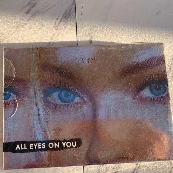 Victoria's Secret Other - BRAND NEW! Victoria's Secret Eyeshadow Palette